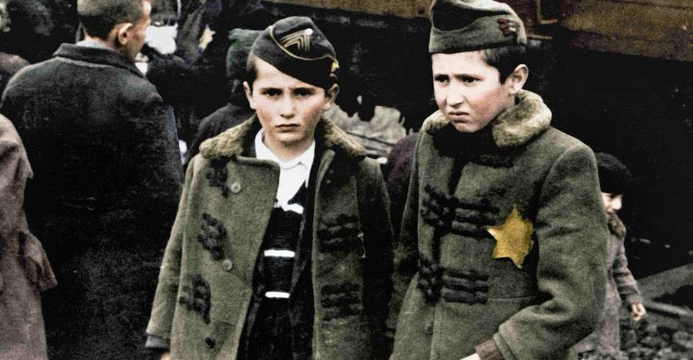 Trailer na dokument Auschwitz Untold