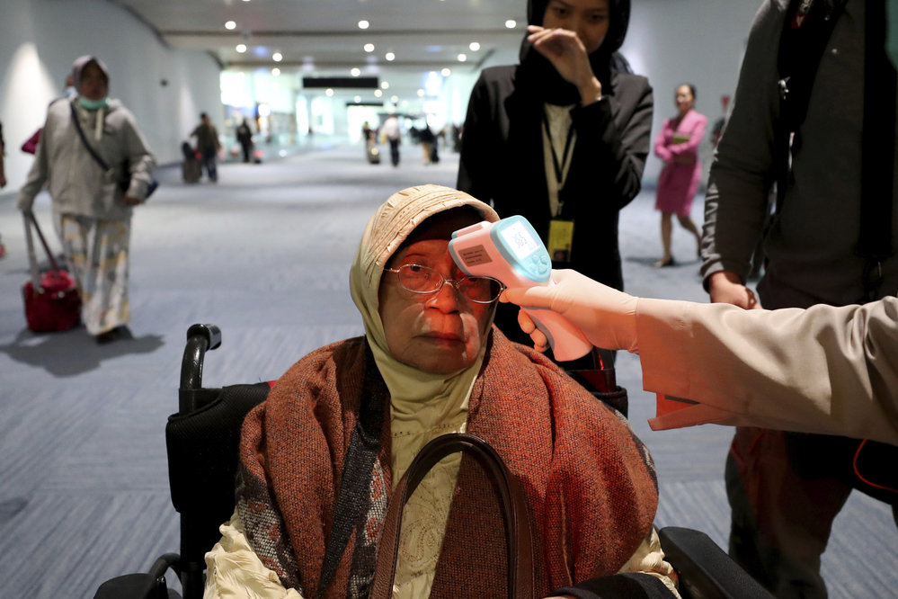 Čínu děsí nový typ koronaviru.