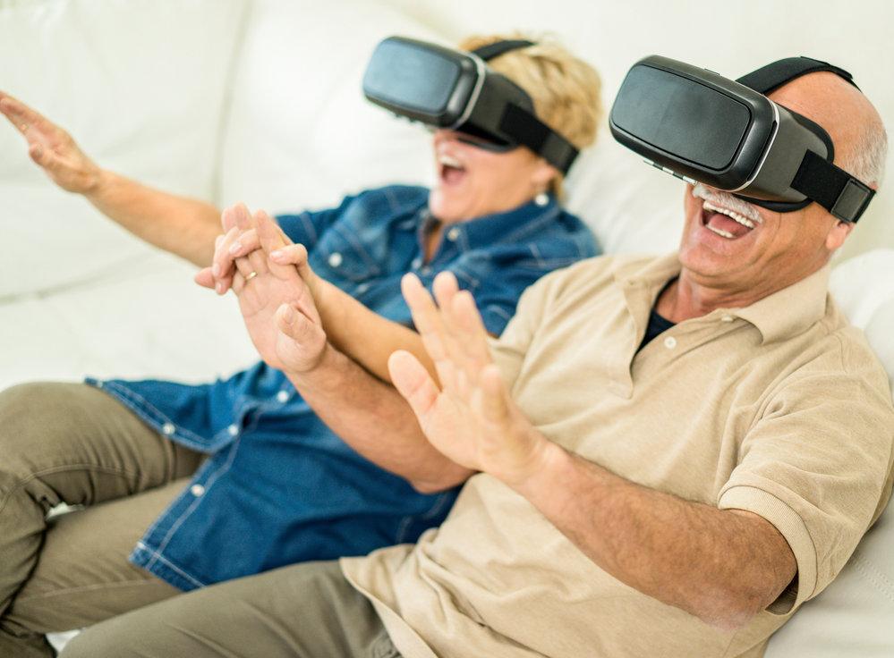 Matrix v domově důchodců? Čeští odborníci  zkoumají život seniorů ve virtuální realitě. (ilustrační foto)