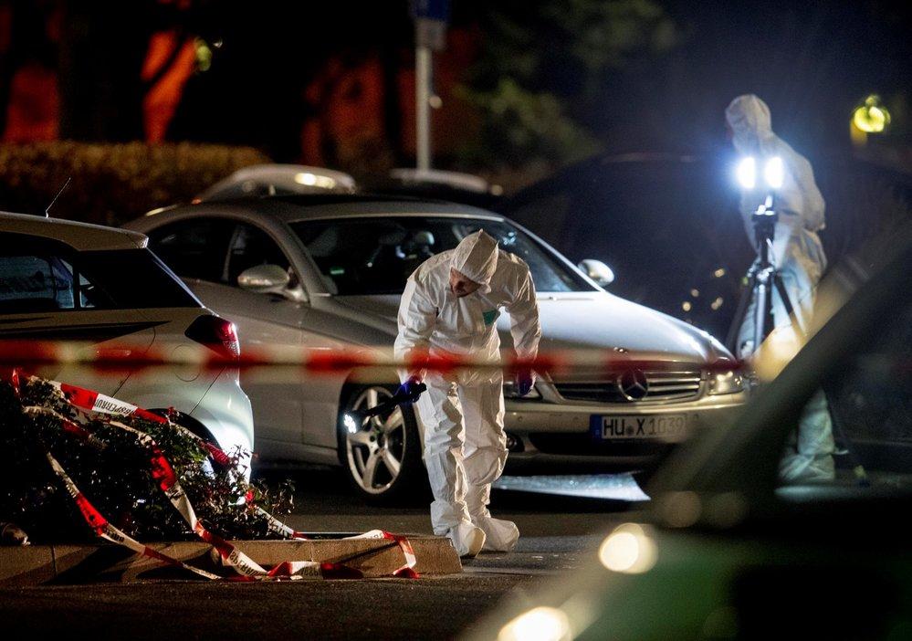 Ve městě Hanau u Frankfurtu nad Mohanem zabíjel střelec s pravicově radikální motivací.