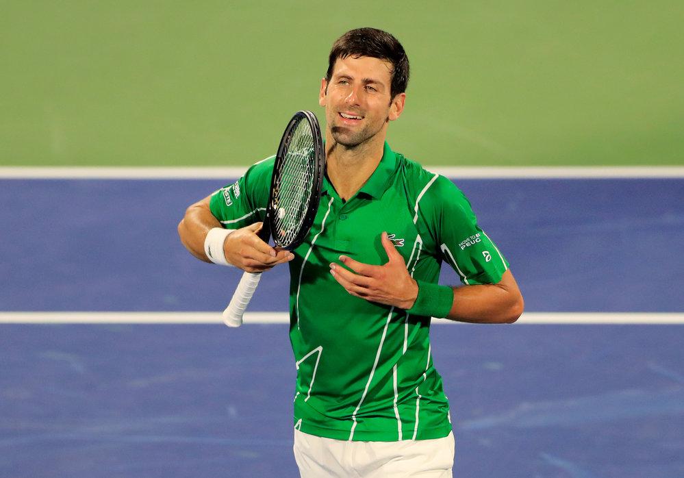 Maria si zaslouží velký potlesk, vybudil fanoušky v Dubaji Novak Djokovič