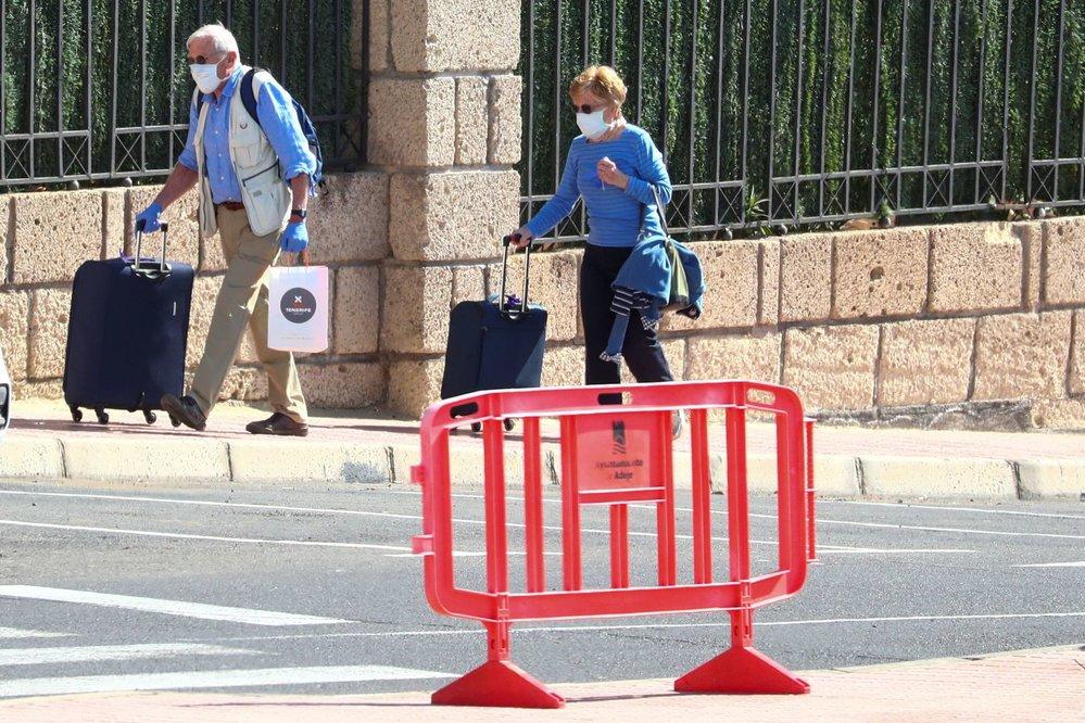 V celém Španělsku je 280 nakažených, tři lidé nemoci COVID-19 podlehli.