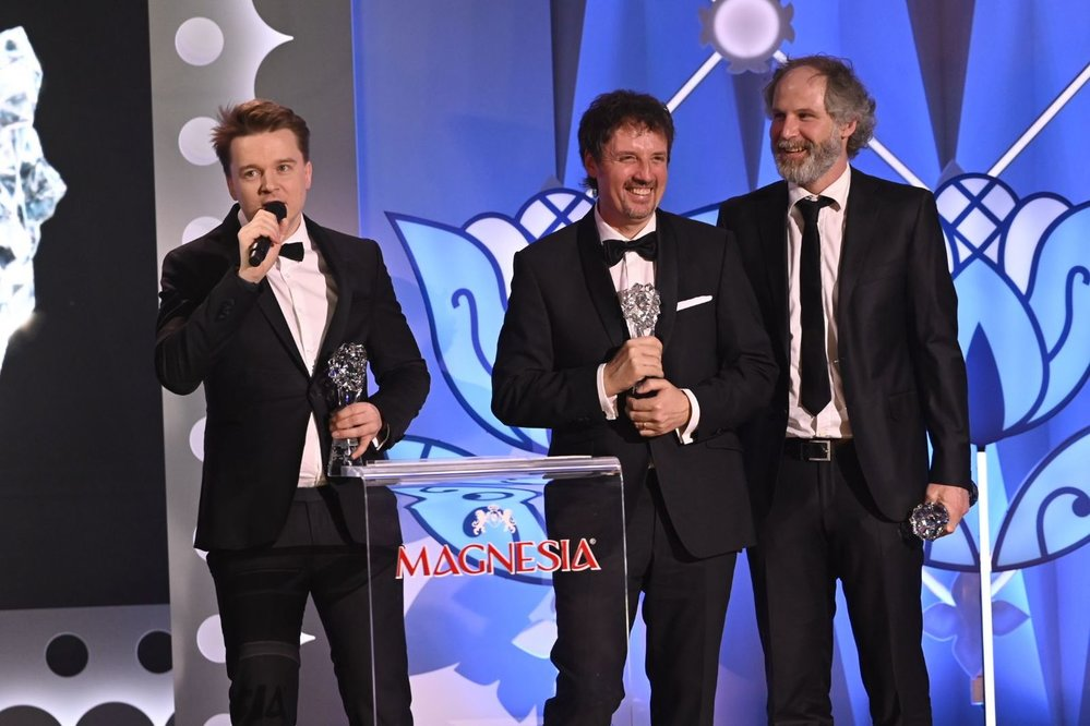 Vyhlášení vítězů Českého lva 2020: Petr Kolečko se svým Mostem! získal cenu za nejlepší dramatický seriál