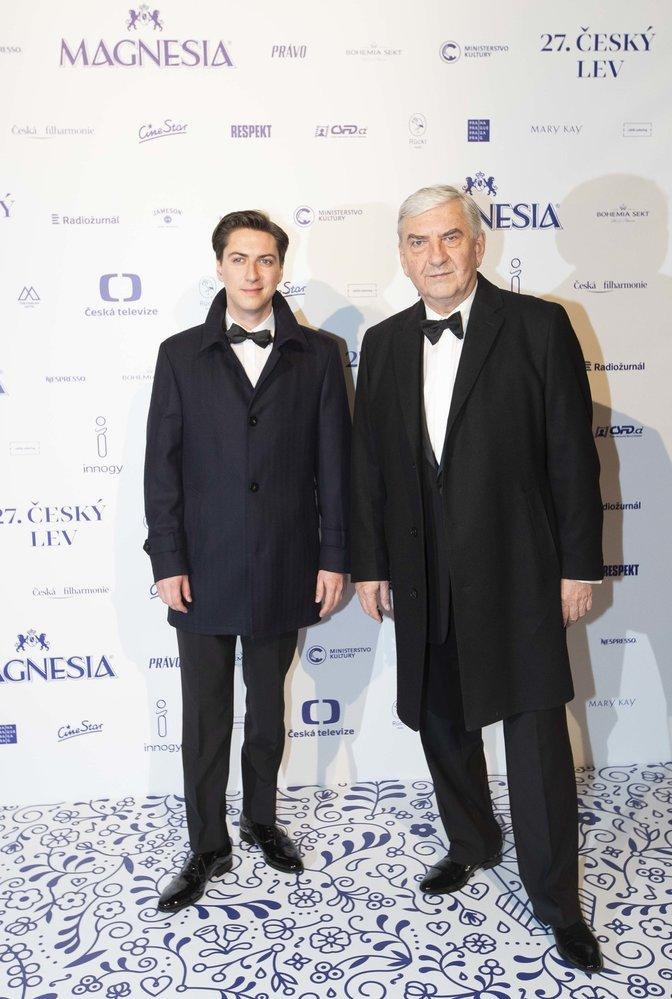 Miroslav Donutil se synem Martinem