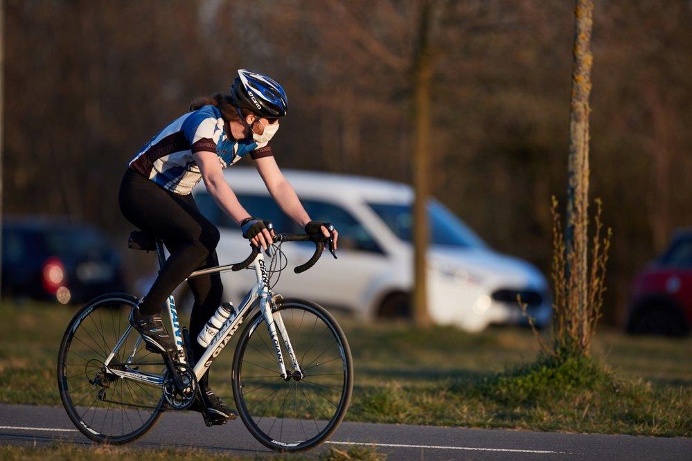 Češi si užívají možnosti sportovat i za mimořádných opatření (10. 4. 2020)