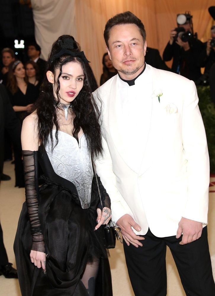 Elon Musk s přítelkyní Grimes