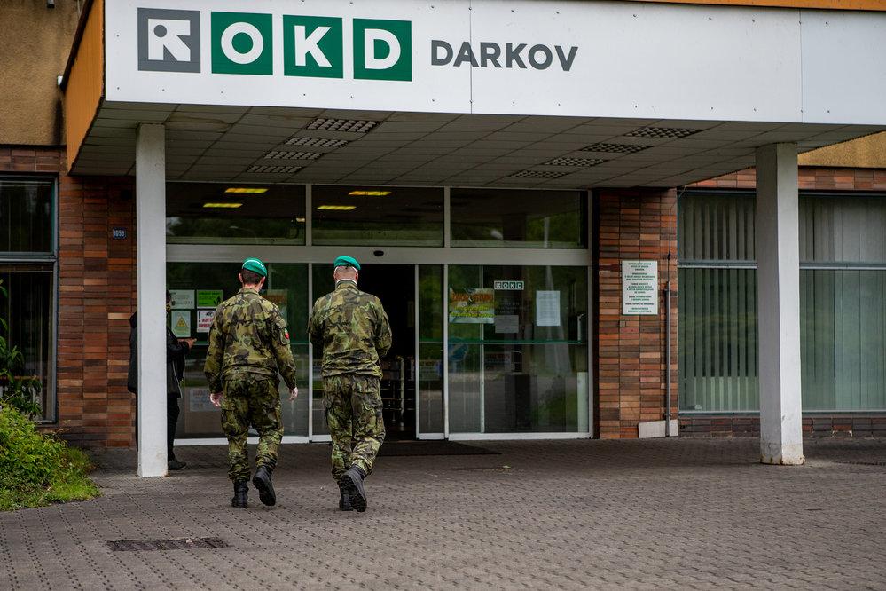 Koronavirus v ČR: Testování kvůli nákaze v Dolu Darkov patřící společnosti OKD (23.5.2020)