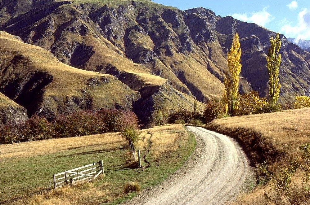 """""""Je to ohromně rozmanitá a nádherná krajina. Není divu, že jí přezdívají Bohem požehnaná země,"""" vzpomíná samotný Bruce Thomas."""