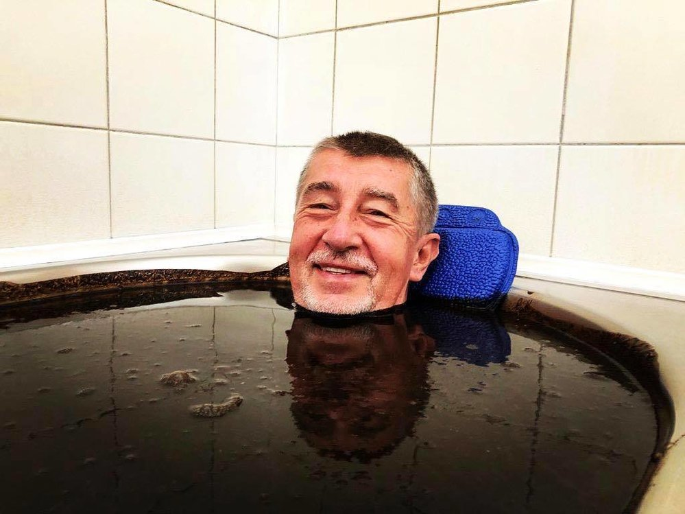 Babiš ve vaně