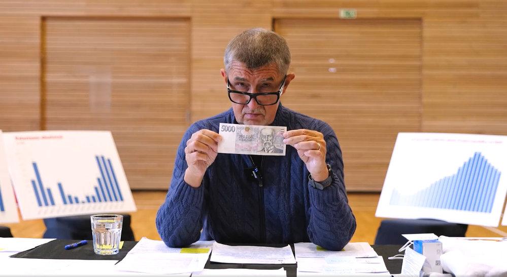 Andrej Babiš vábí české důchodce na 5000 Kč