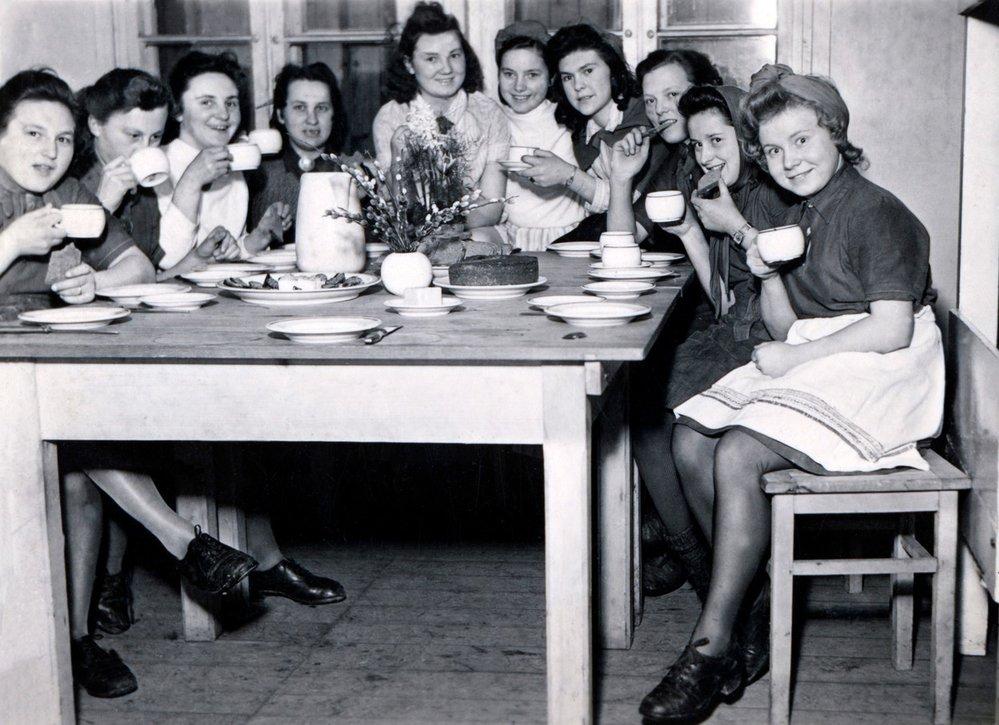 Členky BDM na společné snídani.