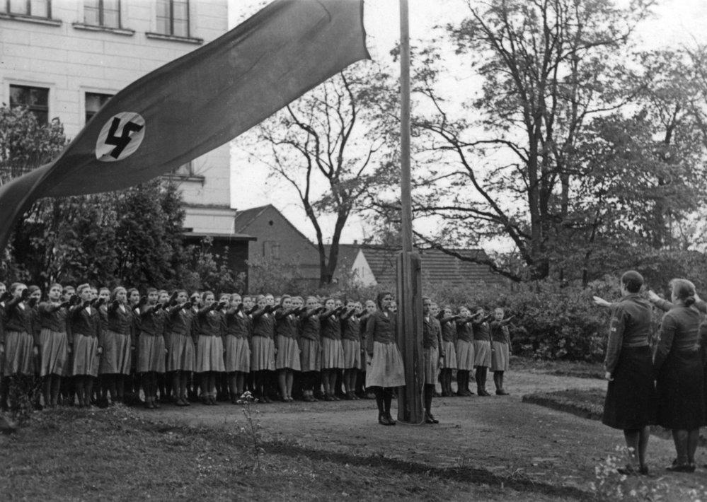 Svaz německých dívek začal být se začátkem 2. světové války velmi oblíbený.
