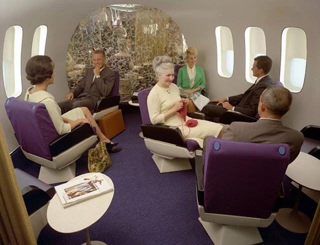 Letenky sice byly např. v USA absurdně drahé, ale cestující si za služby leteckých společností rádi připlatili.