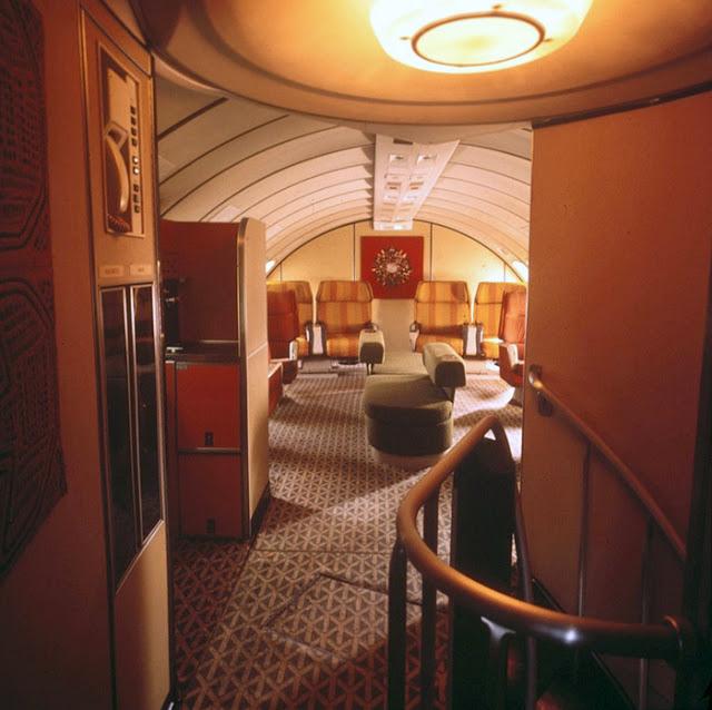Na palubách letadel to vypadalo luxusně.