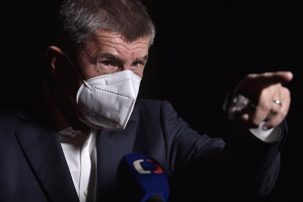 Premiér a šéf hnutí ANO Andrej Babiš na tiskové konferenci k výsledkům voleb 3. října 2020 v Průhonicích.