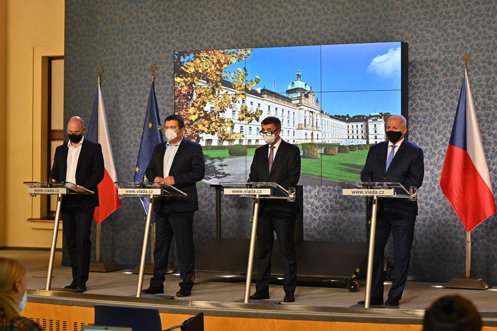 Vláda zpřísnila koronavirová opatření: Plaga, Hamáček, Babiš a Prymula na tiskovce (12.10.2020)