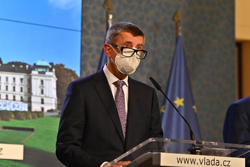 Vláda zpřísnila koronavirová opatření: Premiér Babiš na tiskovce (12.10.2020)