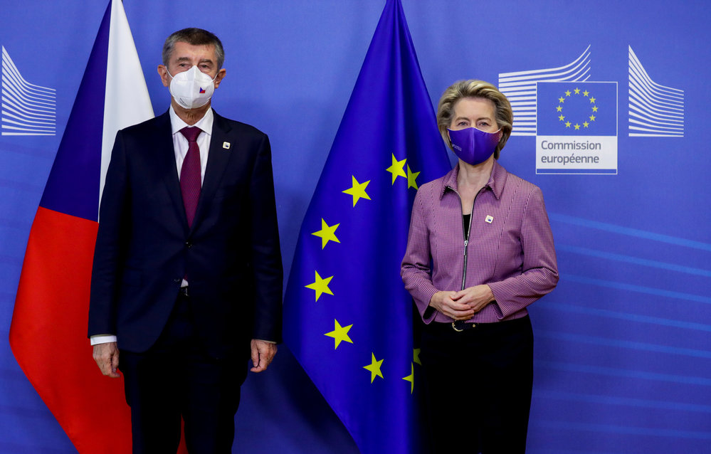Premiér Andrej Babiš se šéfkou Evropské komise Ursulou von der Leynovou v Bruselu (15.10.2020)