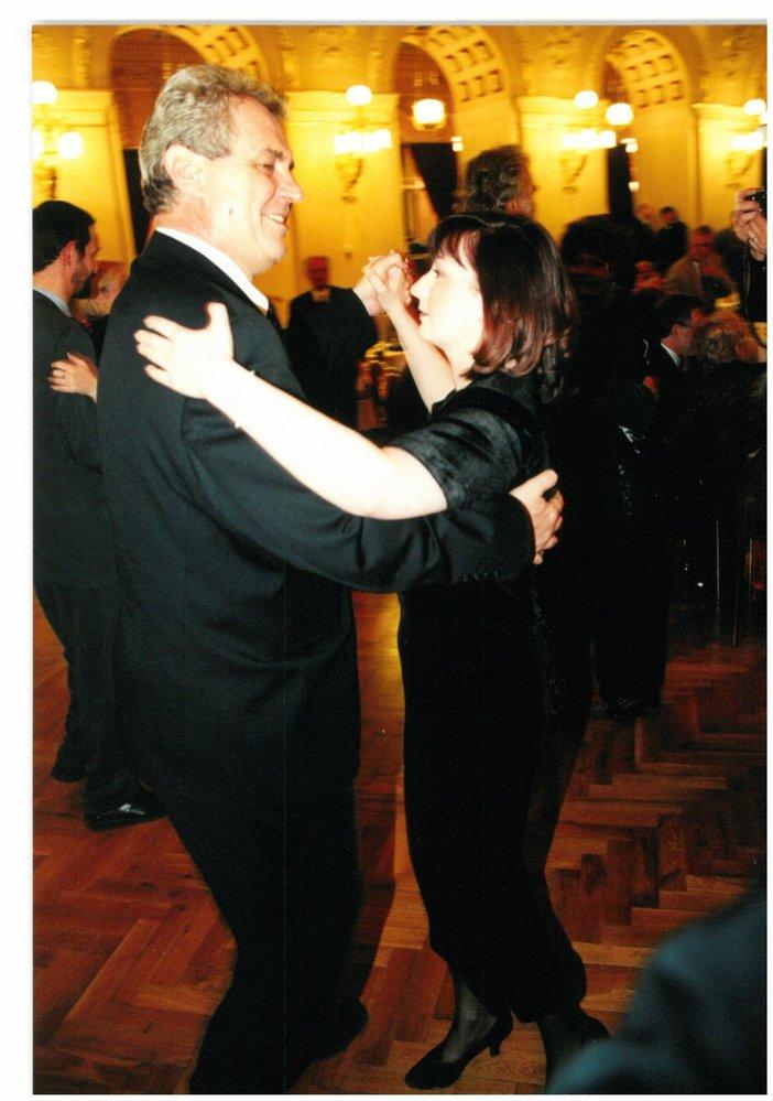 Miloš Zeman se svou rodinu. Na snímcích žena Ivana i dcera Kateřina, než se stala mladou dámou