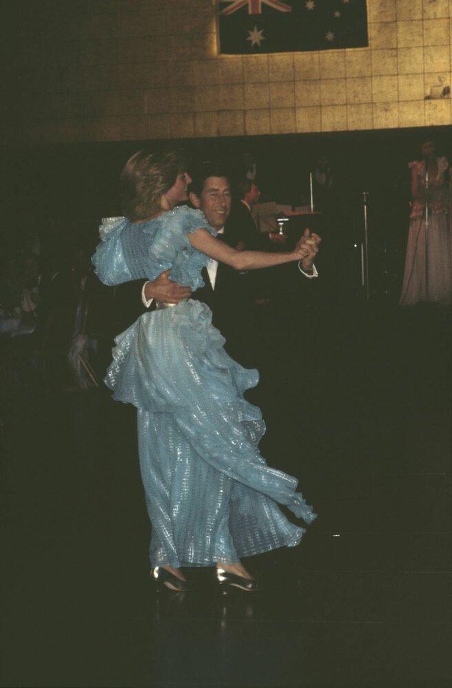 Charles a Diana během galavečeře v australském Sydeney v březnu 1983.
