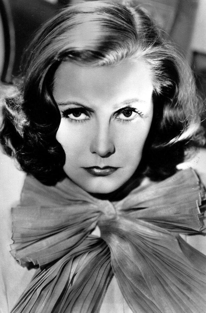 Greta Garbo byla ve své době nejkrásnější herečkou Hollywoodu. Svoji kariéru však ukončila velmi brzy.