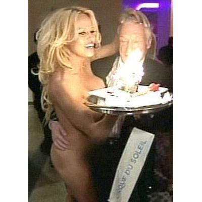 Hugh Hefner mohl na vnadné Pamele oči nechat...