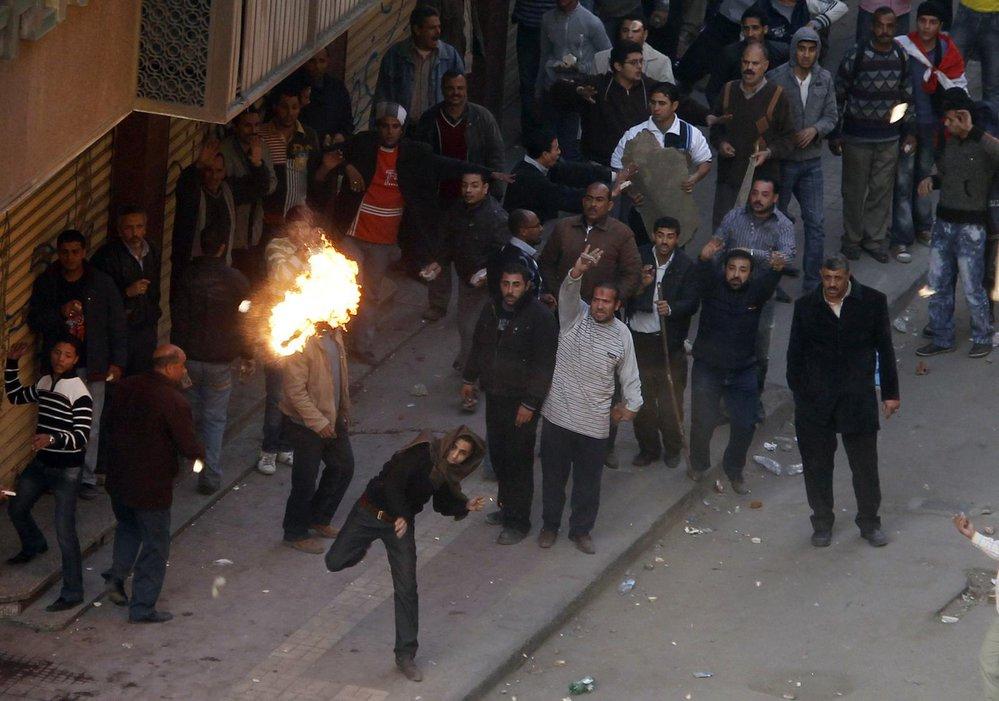 Situace v Egyptě se vyostřuje. Zastánci prezidenta Mubaraka se střetli s jeho odpůrci.