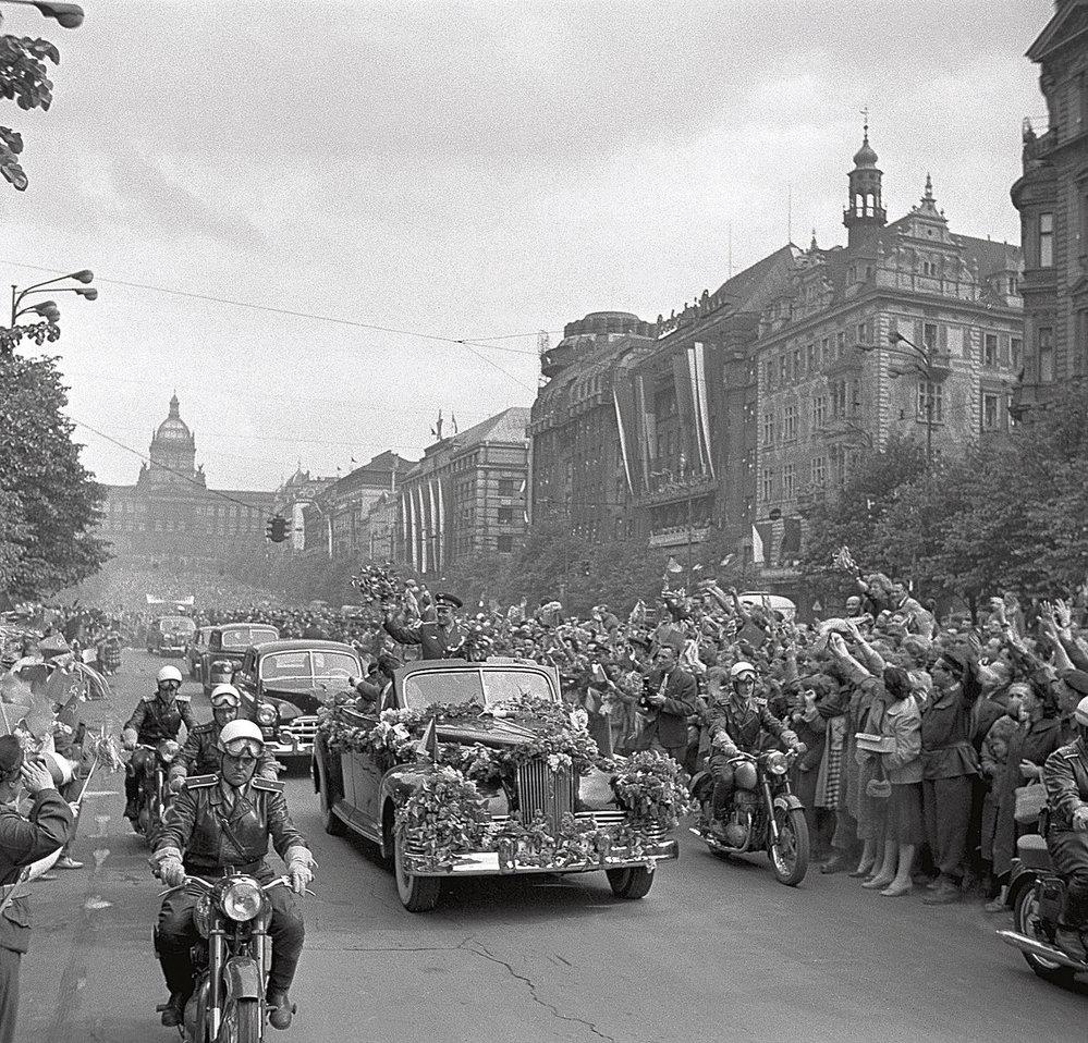 První zahraniční cesta slavného kosmonauta vedla v dubnu 1961 do Prahy