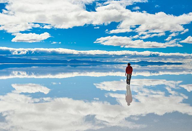 Salar de Uyuni v Bolívii, největší solná pláň světa