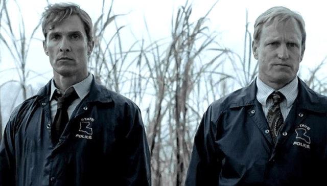 Záběry ze seriálu HBO Temný případ