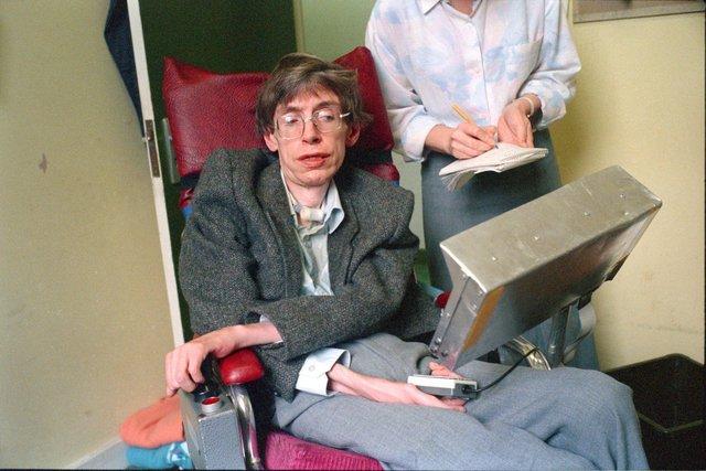 Stephen Hawking v roce 1987
