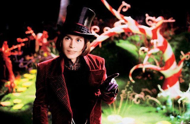 Johnny Depp jako čokotovárník Willy Wonka v pohádce Tima Burtona Karlík a továrna na čokoládu z roku 2005