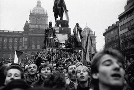 Hledáme děti sametové revoluce. Narodili jste se 17. listopadu 1989? Napište nám