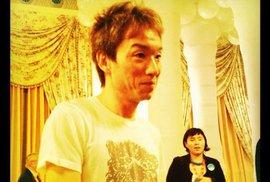 K obědu si dejte rohlík a mléko, navrhl divákům režisér filmu o sebevraždáchJaponský režisér Tacuja Jamamoto
