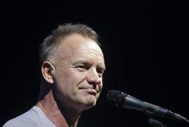Za propuštění dívčí skupiny je i zpěvák Sting