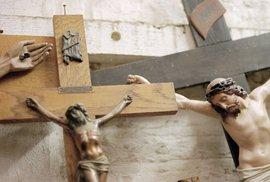 Senát se chystá odsoudit zákon o zdanění náhrad církvím