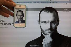 Tohle není Steve Jobs. Jen český podnikatel, který si na něj hraje