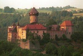 Cyklotrasa pro fanjšmekry: Troufnete si na obtížnou jízdu kolem Rešovských vodopádů na hrad Sovinec?