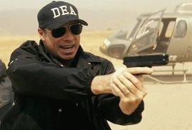 Novinky v kinech: Na Formana nemá ani Stone, ani Travolta