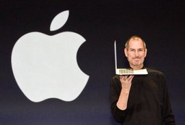 Před rokem zemřel génius naší doby. Jak vypadá Apple rok po smrti Steva Jobse?