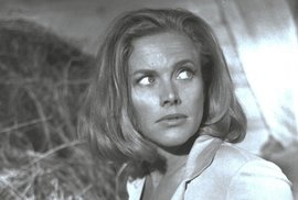 Honor Blackmanová, Goldfinger (1964)