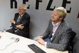 """""""Prozradím vám sladké tajemství o Klausovi,"""" řekl Miloš Zeman při návštěvě Reflexu. A …"""