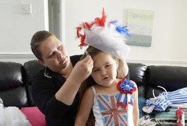 Británie má boubelatou dětskou královnu krásy. Tentokrát i s vlastní švadlenou