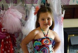 Kdyby si někdo myslel, že na dětských soutěžích krásy chybí promenáda v plavkách, mýlil by se. Ať už to jakkoli hraničí s vkusem, rodiče své děti bez váhání navlékají do designových plavek a posílají na molo.