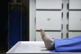 """Mrtvá žena """"obživla"""" v chladicím boxu márnice, nyní se zotavuje v nemocnici"""