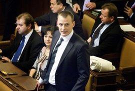 Ztohoven, Viktor Paggio a demokracie