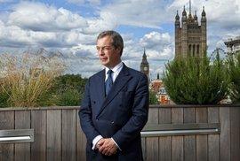 Europoslanci, styďte se! Známý kritik EU Nigel Farage svou skvělou řečí uzemnil Štrasburk