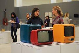"""Moskviče, sifóny a televize v barvách lentilek. Pamatujete ještě na tyhle """"klenoty"""" sovětského designu?"""