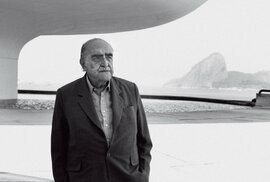 Oscar Niemeyer, legenda architektury a autor města budoucnosti, byl přesvědčeným komunistou