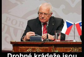 Klausova amnestie baví internet